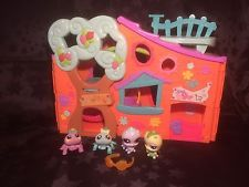 Littlest Pet Shop Clubhouse With Figures