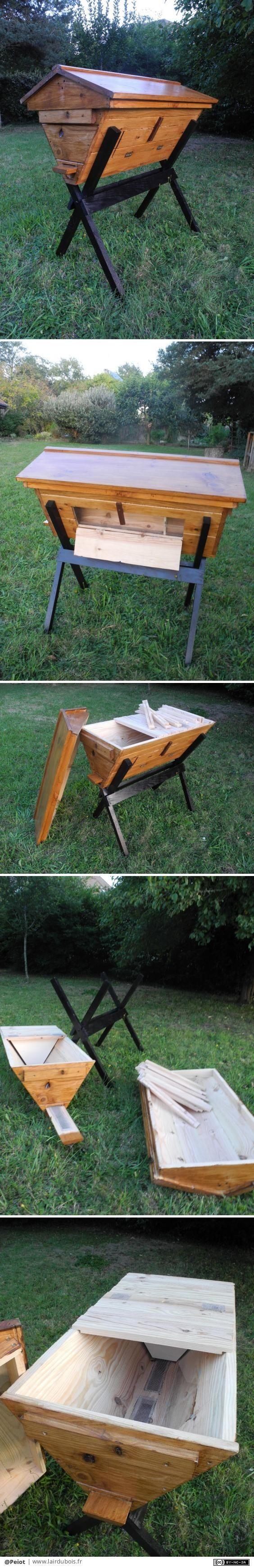 Ruche kenyane v2 par Peiot - J'ai modifié mon modèle de ruche kenyane.  Un corps plus petit. Un pied indépendant.  Toujours le même principe à l'intérieur des barrettes qui servent d'amorces pour les rayons de cire. Et bien-sur...