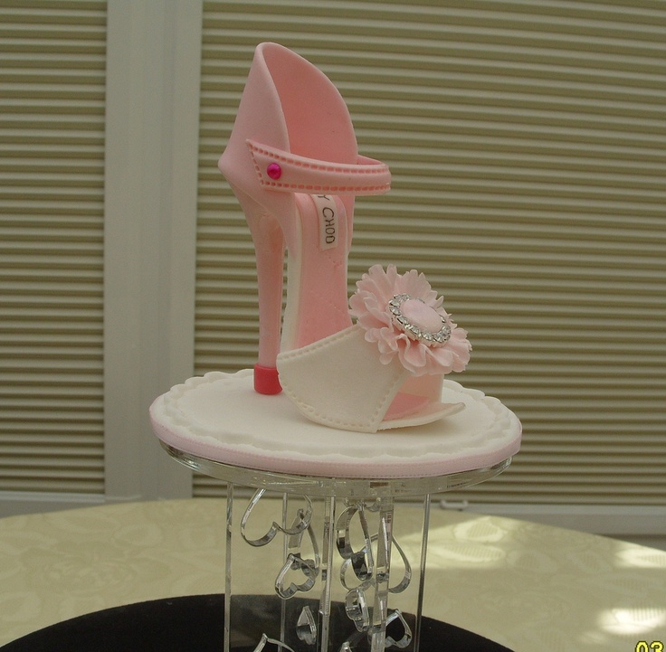 """Jimmy Choo """"Marilyn shoe"""" made out of sugar."""