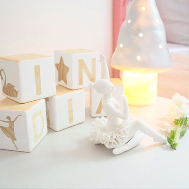 Love this sweet swan lake themed room image from @littlefootprintsinteriors xxx