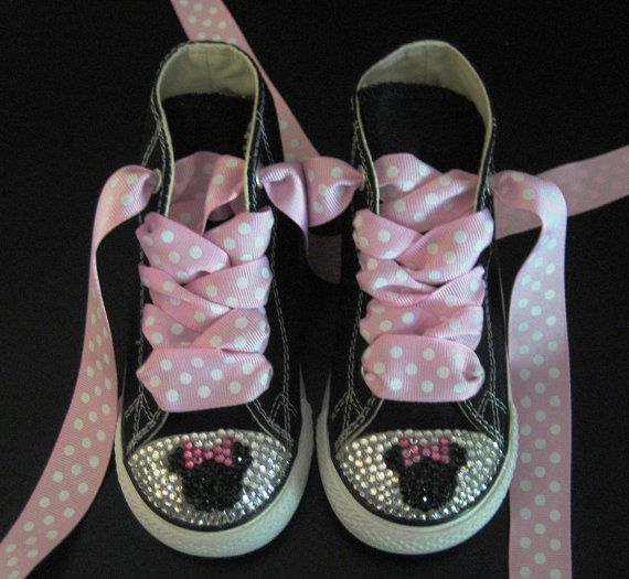 Love these!!!! Want to make them for Abby for our trip..so she can wear them with her birthday outfit. Now to decide pink or black converse???