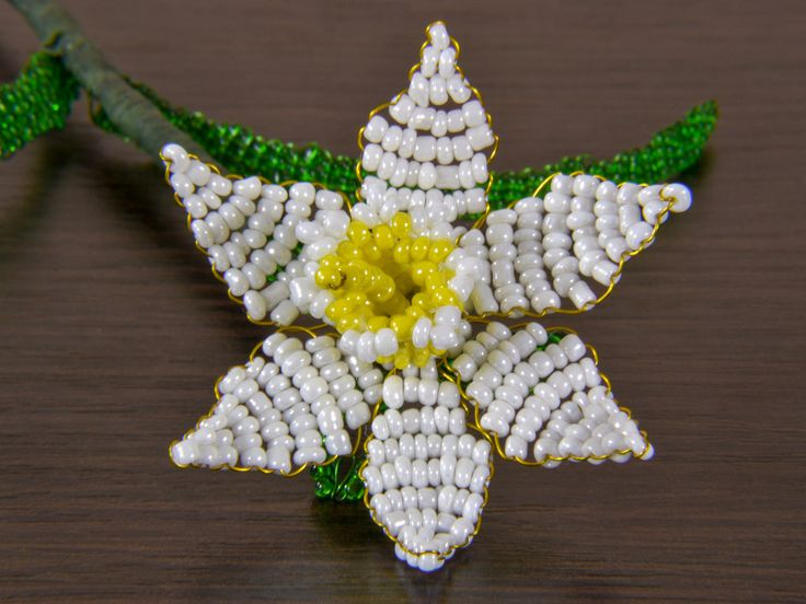 French beaded white with yellow narcissus / daffodil / jonquil flower made of glass seed beads/ Artificial beaded flower http://etsy.me/2CLNFf6 #housewares #homedecor #white #housewarming #valentinesday #yellow #bedroom #narcissus #beadedflower