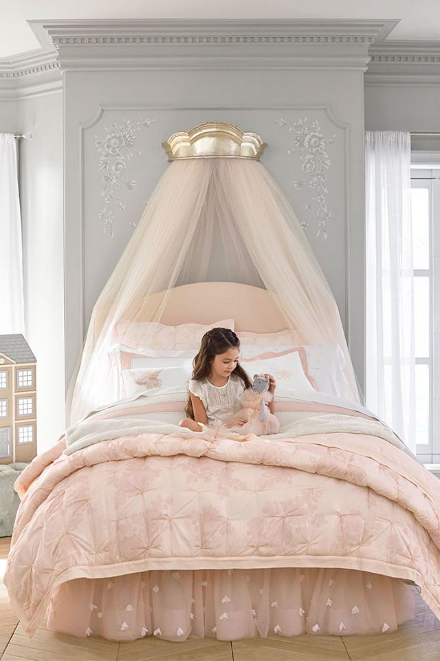 The Monique Lhuillier for Pottery Barn Kids Collection Just Launched (And It's…