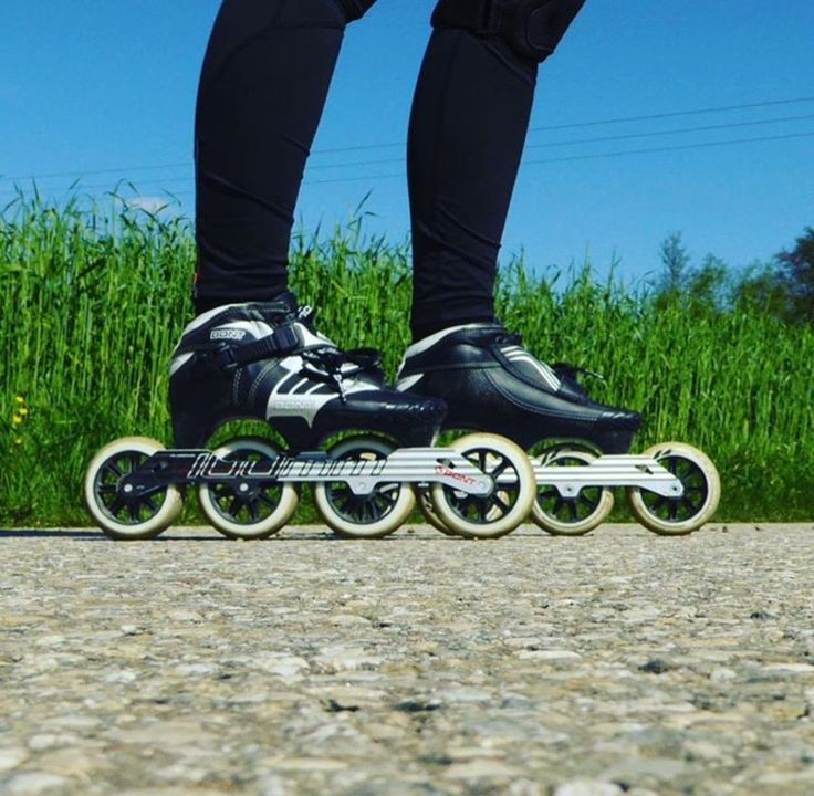 Disfruta del aire libre y a patinar!! Termo-moldeables • Ultralivianas • Rápidas • Fibra de Carbono • Bont • Patinaje de Carreras • Aerodinámicas #BontSkates | #Bontsuramerica | #BontZ |#InlineSpeedSkating