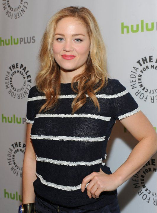 Erika Christensen at event of Parenthood (2010)