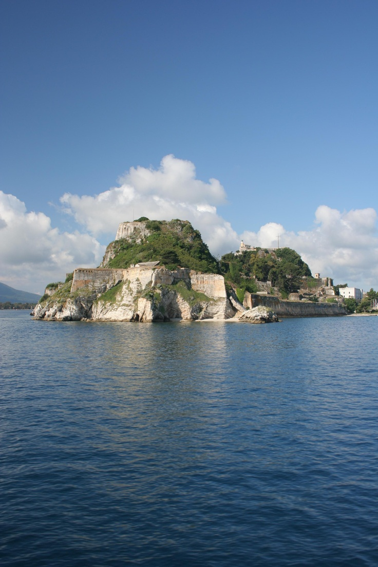 Old Venetian fort, Corfu Town, Corfu, #Greece - photo by Philippe Teuwen