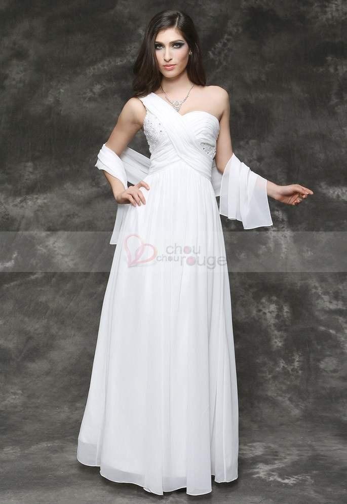 Vente flash chouchourouge    http://www.chouchourouge.com/flash-sales/robe-de-soiree-longue-blanche-raffinee.html    Grace et élégance avec cette resplendissante longue robe de soirée conçue dans une pureté de mousseline blanche soyeuse et raffinée qui vous donnera des airs de princesses moderne et glamour. Munie d'une bretelle unique, elle dévoilera avec sensualité les charmes irrésistibles des courbes magiques de votre épaule et de votre dos.