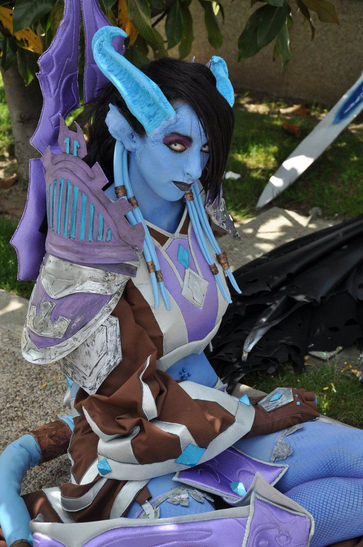 Draenei cosplay