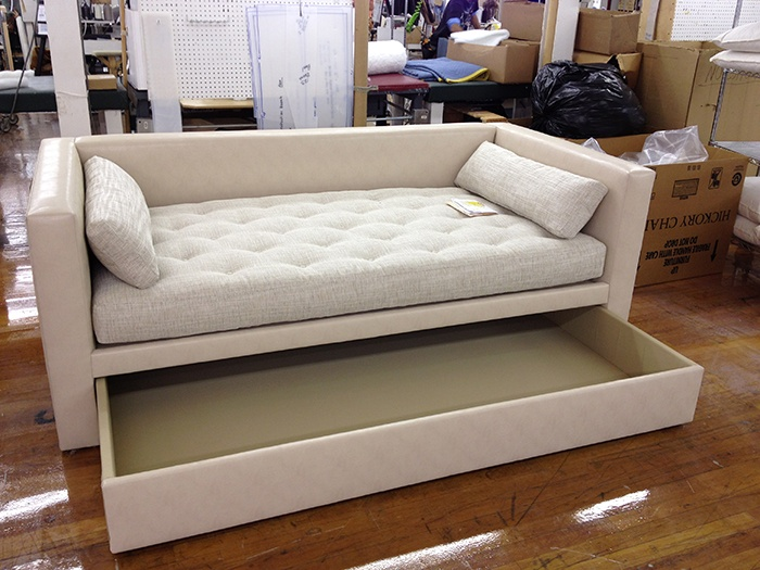 special of porter divan into a trundle bed made by hickory chair