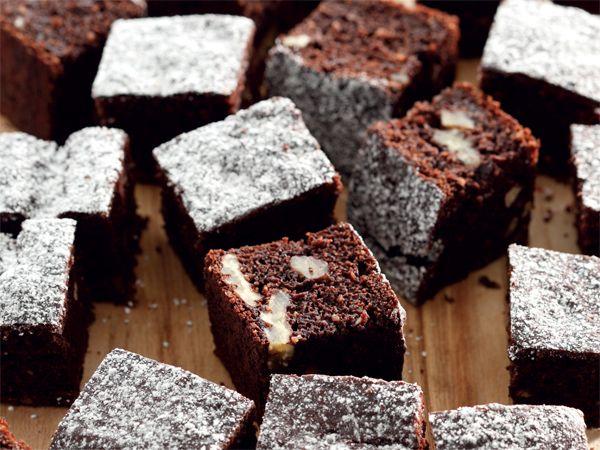 Dieet-'brownies'. Omdat die appelmoes soet is, is minder suiker nodig.