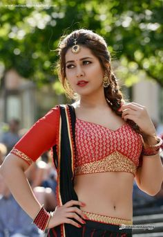 Raashi Khanna also known as Rashi Khanna is an Indian actress and model. She is known for her work in Telugu film industry. She began her acting debut in Hindi cinema from Madras Cafe. Raashi Khann…