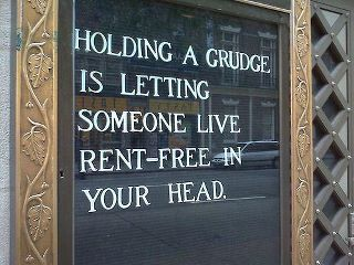 Hmm.: Words Of Wisdom, Remember This, Food For Thoughts, Sotrue, Quote, Well Said, So True, Hold Grudges, True Stories