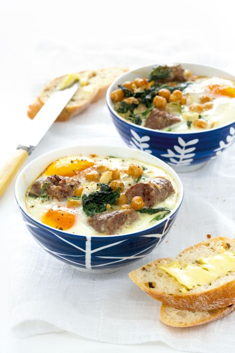 Baked eggs with boerewors