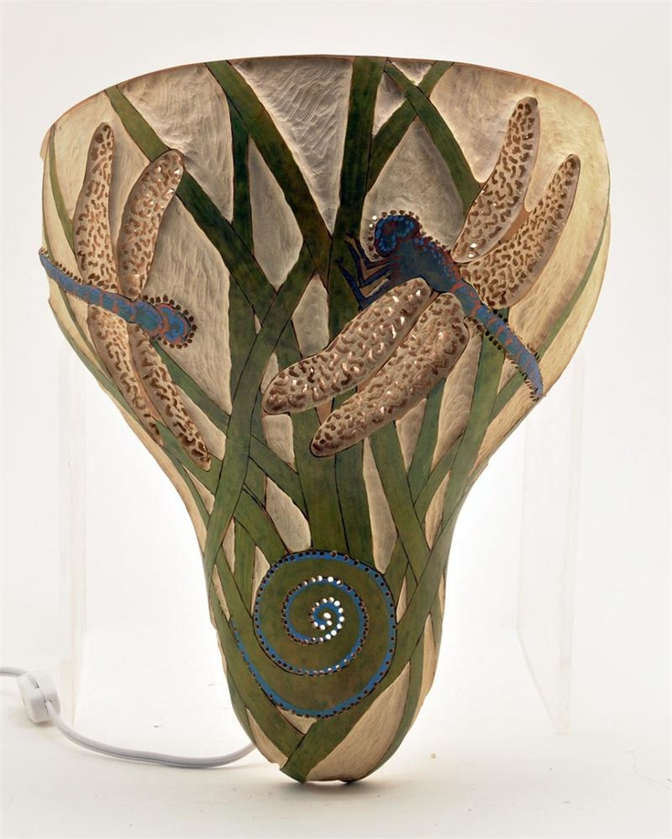 Mary will teach you how to blend and shade ink dyes to create a natural,  effect in your gourd art.