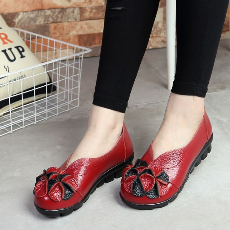 24.90$  Watch now - http://alim4u.shopchina.info/go.php?t=32793300186 - 2017 Genuine Leather Women Flats Shoe Fashion Casual Slip on Soft Loafers Spring Summer Sandals Female Driving Shoes Wholesale  #magazineonlinewebsite