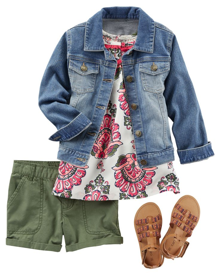Perfect for picnics, a breezy tank sits pretty over twills. A classic denim jacket and strappy sandals look polished.