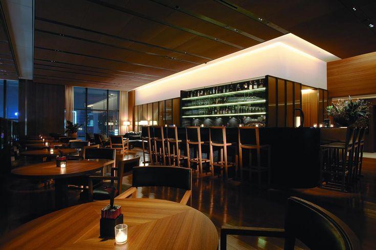 Come and experience a break at ll Bulgari Bar in Tokyo. #bulgarihotels #bar #design