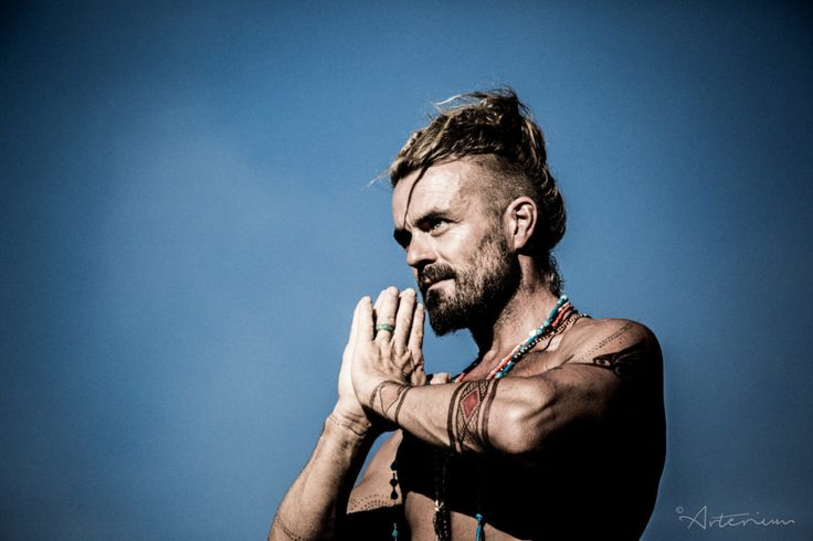 Singer-songwriter Xavier Rudd will perform at a corroboree on North Stradbroke Island to mark the close of the annual Quandamooka Festiva