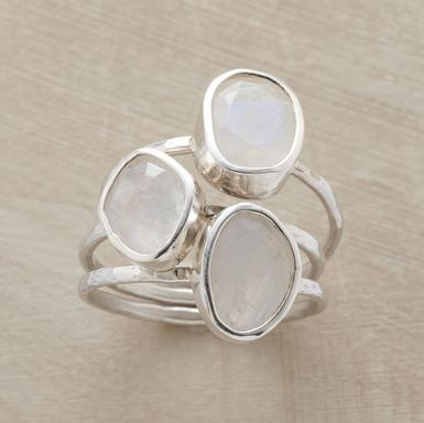 Want these stackable rings!! Would wear them every single day!