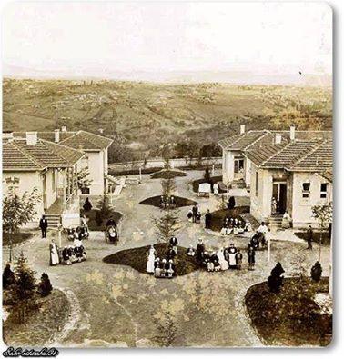 Şişli Hamidiye Etfal Eğitim ve Araştırma Hastanesi  1899 yılında Osmanlı padişahı II. Abdülhamid'in emriyle kurulmuştur. Şişli Etfal Hastanesi Türkiye'nin ilk çocuk hastanesidir. II. Abdülhamid'in 7 aylık kızı Hatice Sultan'ın 14 Şubat 1898 günü difteri hastalığından ölümü üzerine üzüntüye düşen II. Abdülhamid 4 gün sonra Dr. İbrahim Beyi bir etfal (çocuklar) hastanesi kurmakla görevlendirmiştir