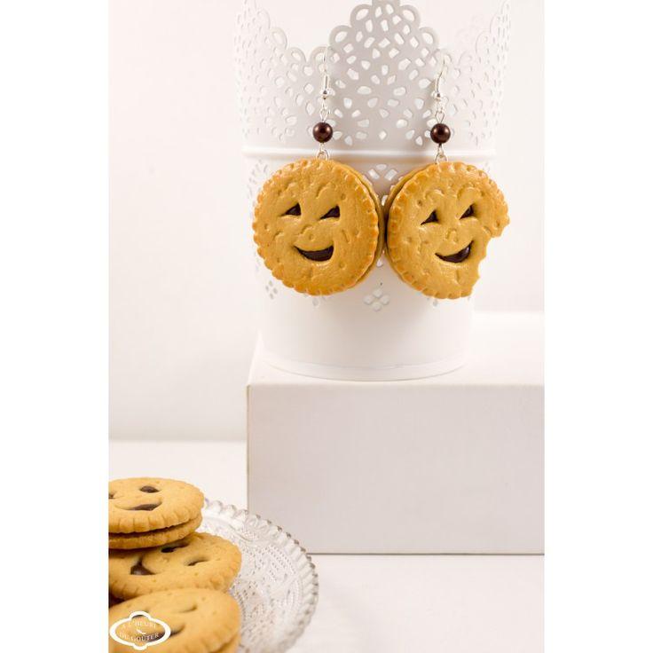 Bijoux gourmands fimo - Boucles d'oreilles BN sourire en coin chocolat