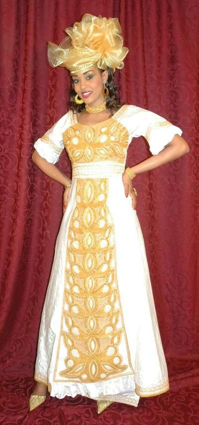 Brocart blanc africaine ethnique maxi robe par NewAfricanDesigns                                                                                                                                                     Plus