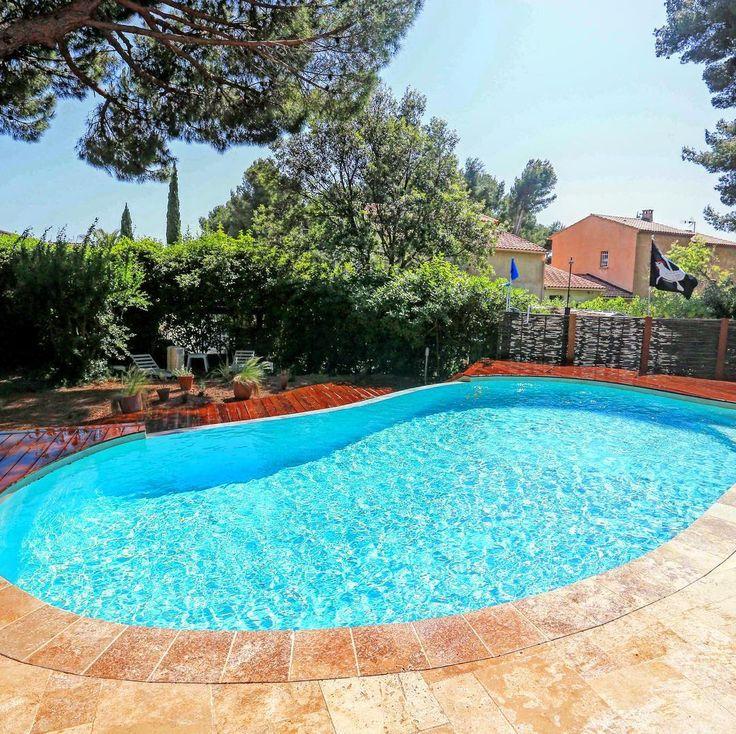 """Piscine Laguna sur mesure en béton armé - [LAGUNA] Cette piscine Diffazur est une """"Laguna"""", forme déjà pensée par notre bureau d'étude. Il ne vous reste plus qu'à lui trouver une place dans votre jardin ! #instadaily #instalikes #happydays #instapool #instagood #instahappy #instapiscine #decoration #jardin #followme #deco #milliondollarlisting #houseportrait #dreamhome #instadeco #architecture #pool #poolporn #dreampool #integration #dream"""