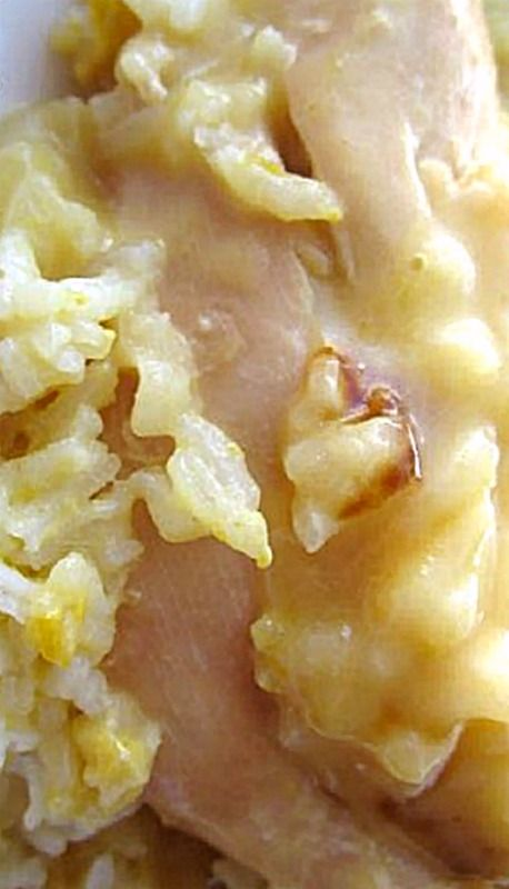 Slow Cooker 7UP Chicken & Rice - the 7-Up (or Sprite) adds a wonderful sweet moistness ❊