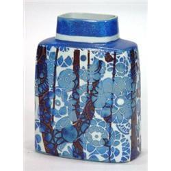 Vase, Hand painted Royal Copenhagen fajance pattern flat sided vase decorated with tube-lined stylised 19 cm