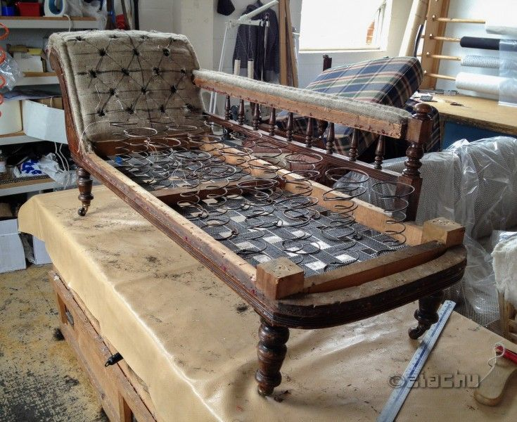 Victorian Set   Chaise Lounge And Chairs