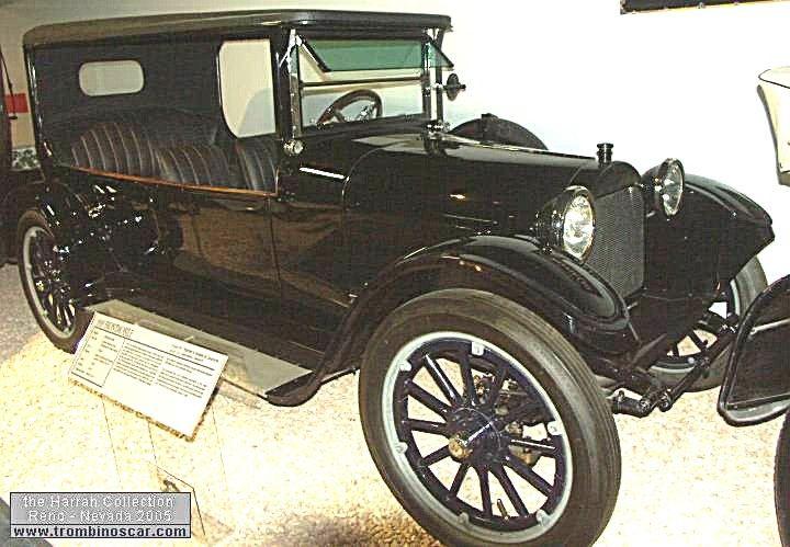 Frontmobile Touring Sedan Touring, voiture routière de 1918  La Frontmobile Touring Sedan - Touring, ce véhicule prototype ancien fut fabriqué de 1918 un seul exemplaire, carrosserie torpédo à toît dur 4 portes 6 places - moteur Golden, Belknap & Swartz 4cyl de 187,8cid - 36cv.