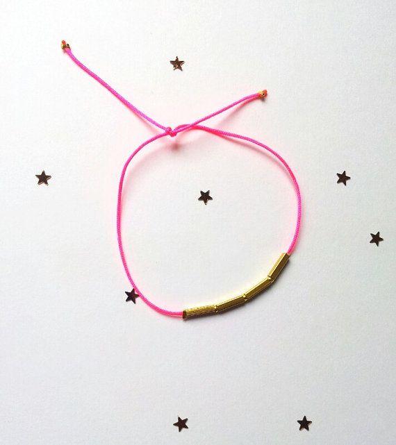 Bracelet Sunlight/ fil nylon et tube en laiton par LaetiGrena, €12.00