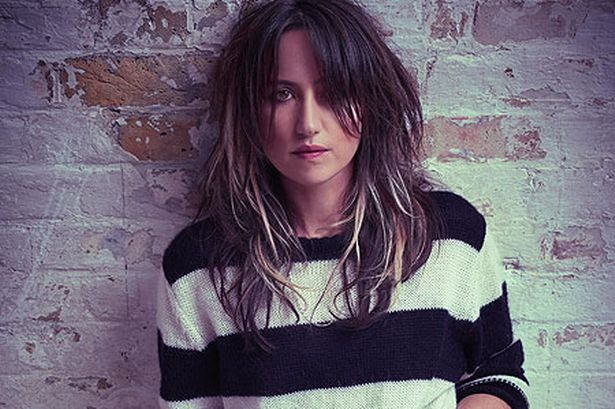 KT Tunstall... If I were a chick this is who I'd probably be.