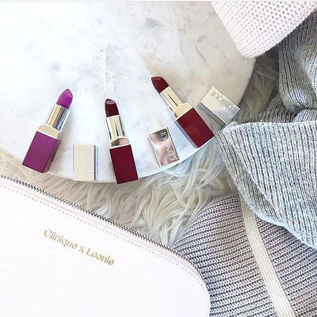 Dark berry lips for Winter? Yes, please!    Shop now at Kiana Beauty Melbourne.  pic credit @leonieyue