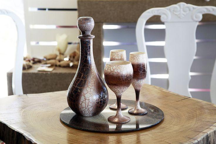 Σετ καράφα 3 ποτήρια & δίσκος δίχρωμο εκρού καφέ κρακελέ Atelier Zolotas