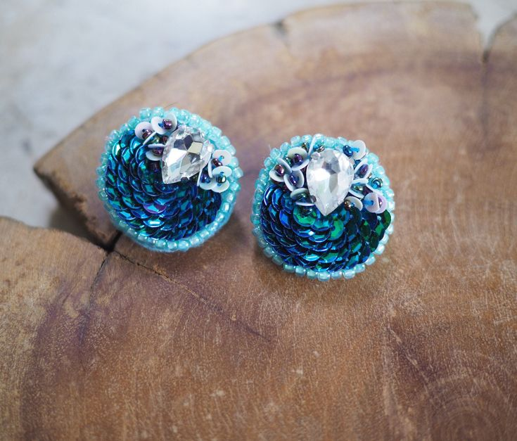 Perlenstickerei Kawaii Kreis Ohrringe • Süße Romantik Stil für durchbohrte Ohren • Blaue Farbe • Funky Ohrringe •   – Amazon / Etsy / eBay / Sellers and More!