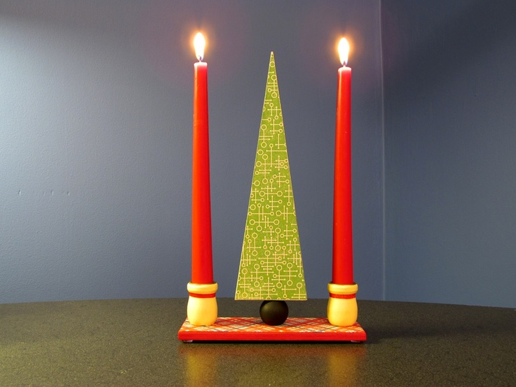 A modern holiday centerpiece with candle holders.Mod Podge, Diy Christmas Trees, Holiday Centerpieces, Candles Centerpieces, Candles Holders, Christmas Candles, Holiday Trees, Podge Rocks, Trees Centerpieces