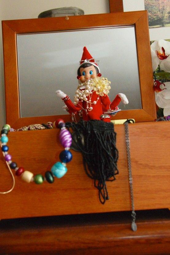 {The Organsied Housewife} Elf on the Shelf Idea 121114