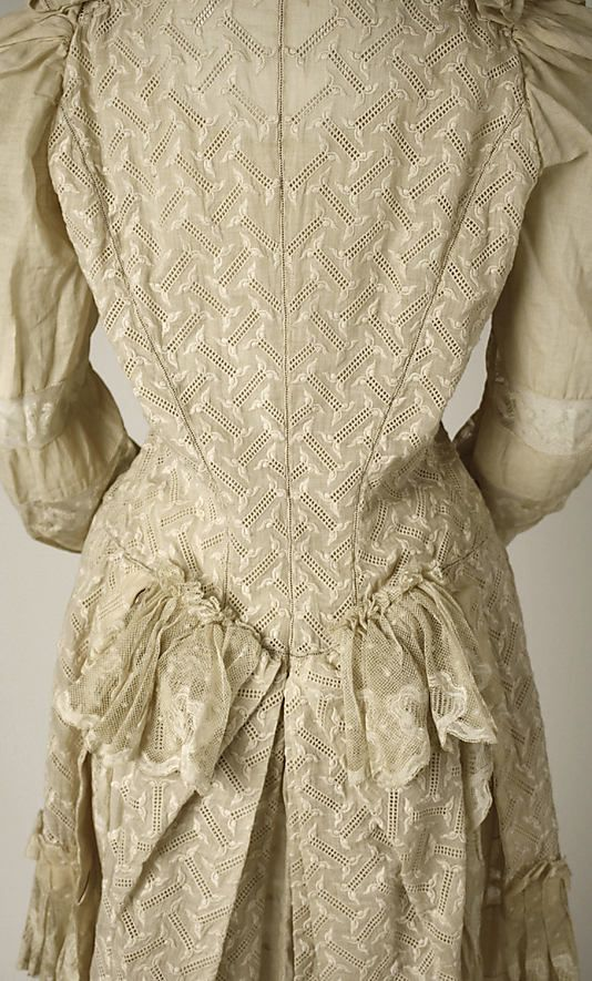 ~Tea gown Date: early 1890s Culture: American Medium: cotton~
