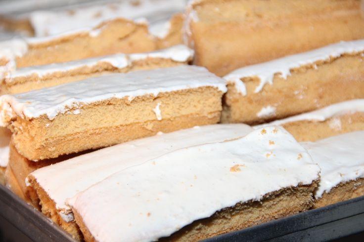 Recetas dulces de bizcochos de Moya y Suspiros de Moya, deliciosas recetas de un postre canario y conocido en las Islas para disfrutar en compañía