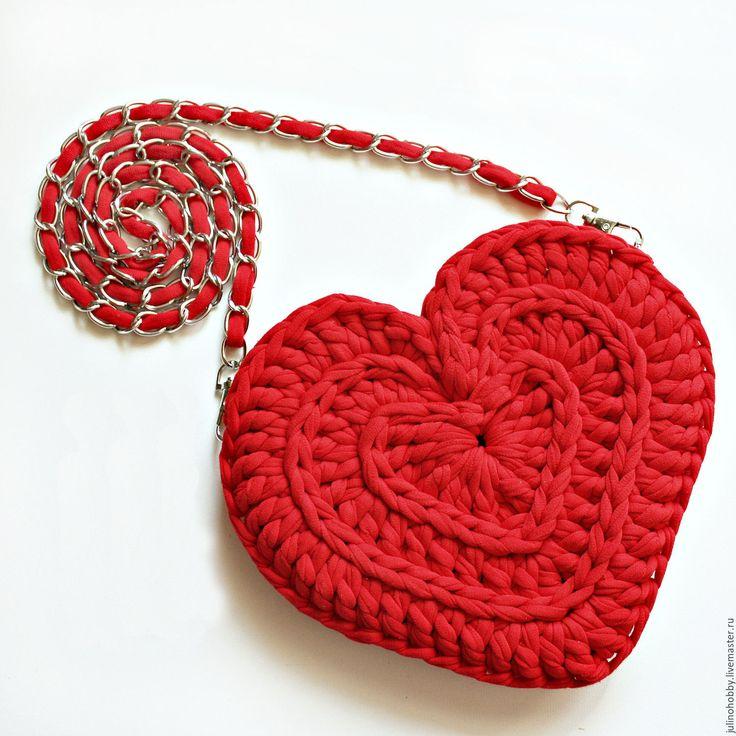 Купить Сумочка-сердце из трикотажной пряжи - ярко-красный, однотонный, вязаная сумка