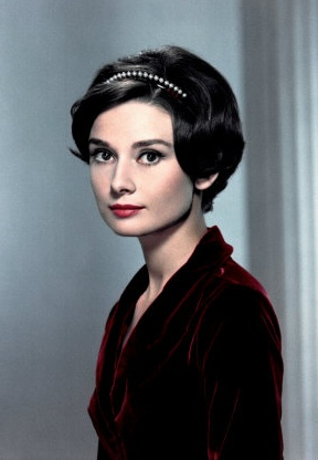 Audrey Hepburn, 1950's - bob growing out pixie This is what my hair looks like now.