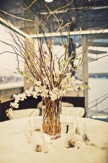 Centerpieces ideas - Branches and flowers and candles hang/table