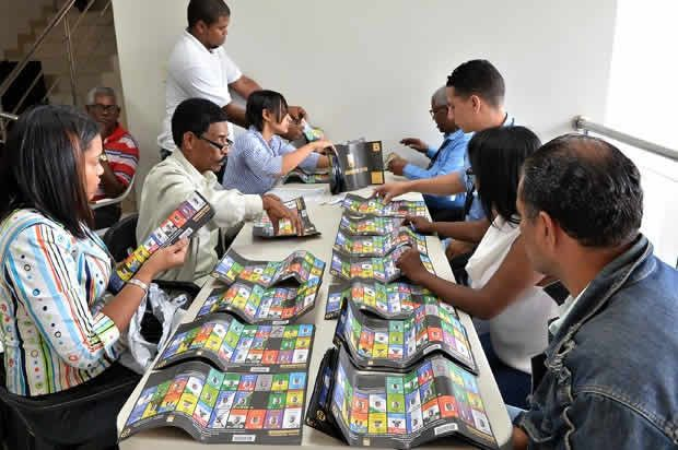 La Junta Electoral del Santo Domingo Oeste decidió anular ayer las elecciones en 238 colegios electorales de ese municipio. Del total de los votos anulados, 14 corresponden al nivel A o