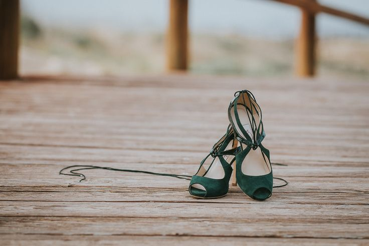 Elopement en la playa. Wedding shoes, zapatos de novia, Franjul zapatos