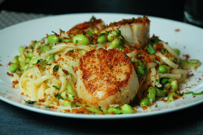 Asparagus Edamame + Scallop Linguine with Spicy Breadcrumbs! THE PERFECT SUMMER PASTA!!