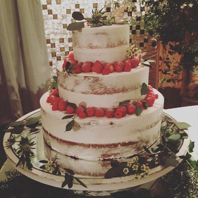 * wedding cake♡‼︎ * 和装でも合うネイキッドケーキ⑅◡̈* をお願いしました かわいー パティシエさんってすごーい * 連投失礼しました * #ウェディングケーキ #weddingcake #wedding #結婚式 #ネイキッドケーキ
