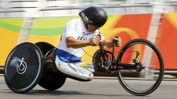 元F1レーサー、CART王者、元WTCCドライバーのアレッサンドロ・ザナルディ(イタリア)がリオ・パラリンピックに出場。ロンドンに続き、2大会連続の金メダルを勝ち取った。