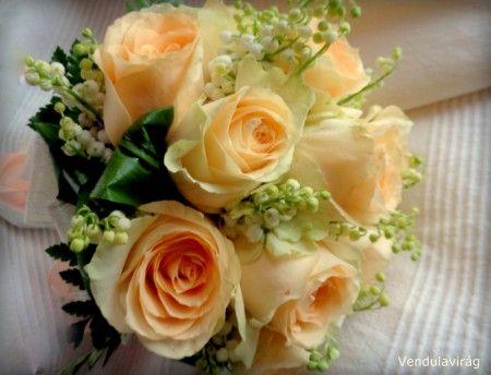 Gyöngyvirágos menyasszonyi csokor
