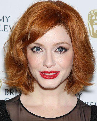 Bob-Frisur: Christina Hendricks Der leuchtend rote Bob von Christina Hendricks mit leichter Außenwelle sieht einfach toll aus und lässt die blauen Augen der Schauspielerin strahlen.